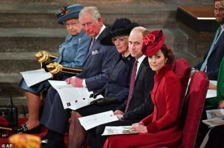 Королевская семья 4