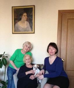 Я (Мария Эдуардовна Сокольская), тетя Ляля (Елена Сергеевна Соколова), ее дочь Марина. Москва, 2013.